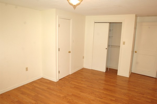 6B 1st Bedroom 3