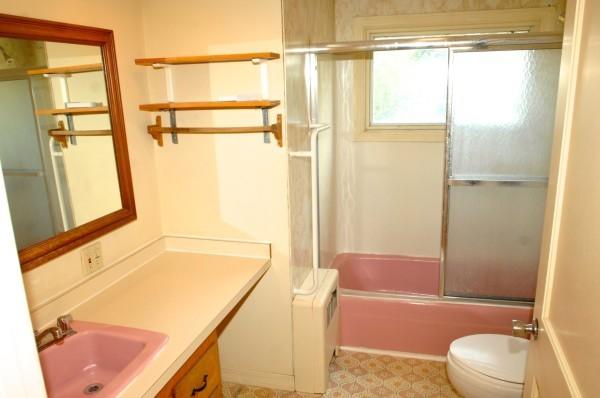 6B 2nd Bathroom 1