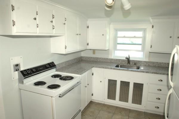 84 C Kitchen