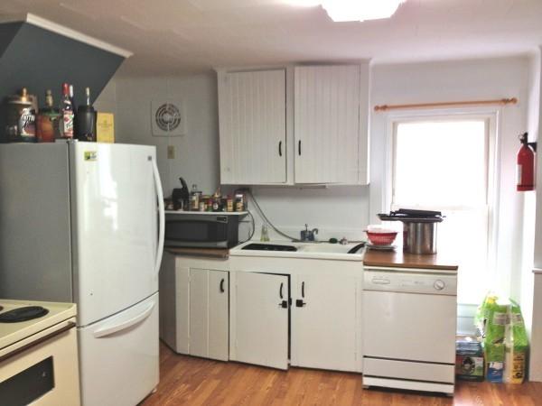 Kitchen toward Sink